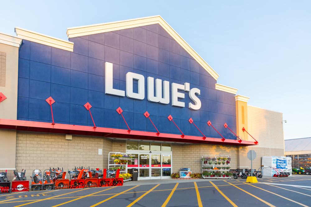 Lowe's Bumps up Quarterly Dividend By 33%; Street Says Buy