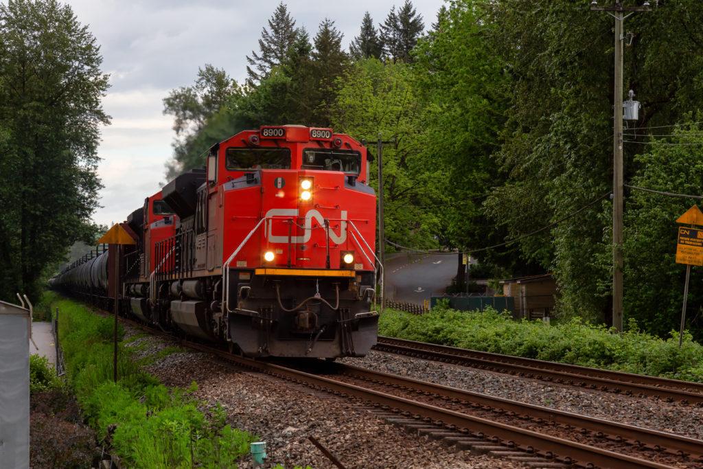 CN Rail Q3 Profit Surges; Shares Soar